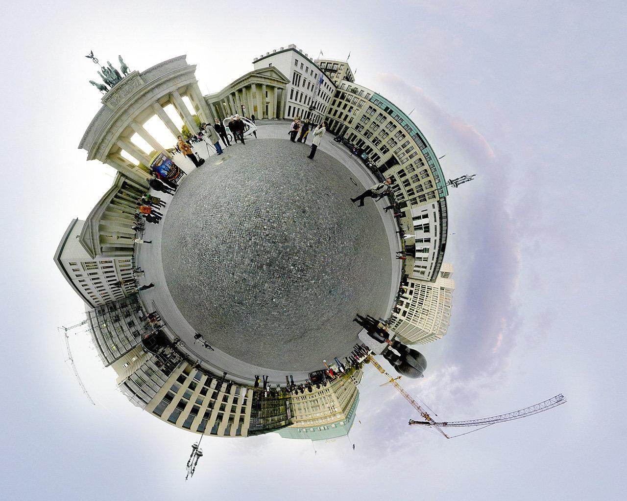 360 camera: Ricoh Theta V cover