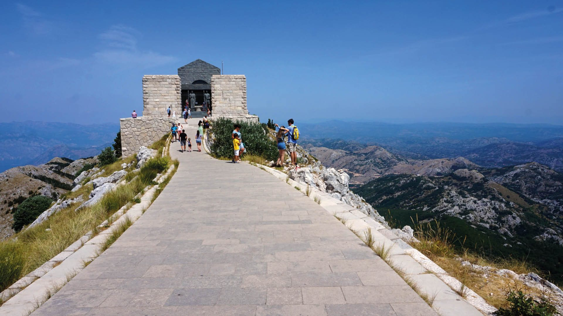 nationaal park lovcen mausoleum