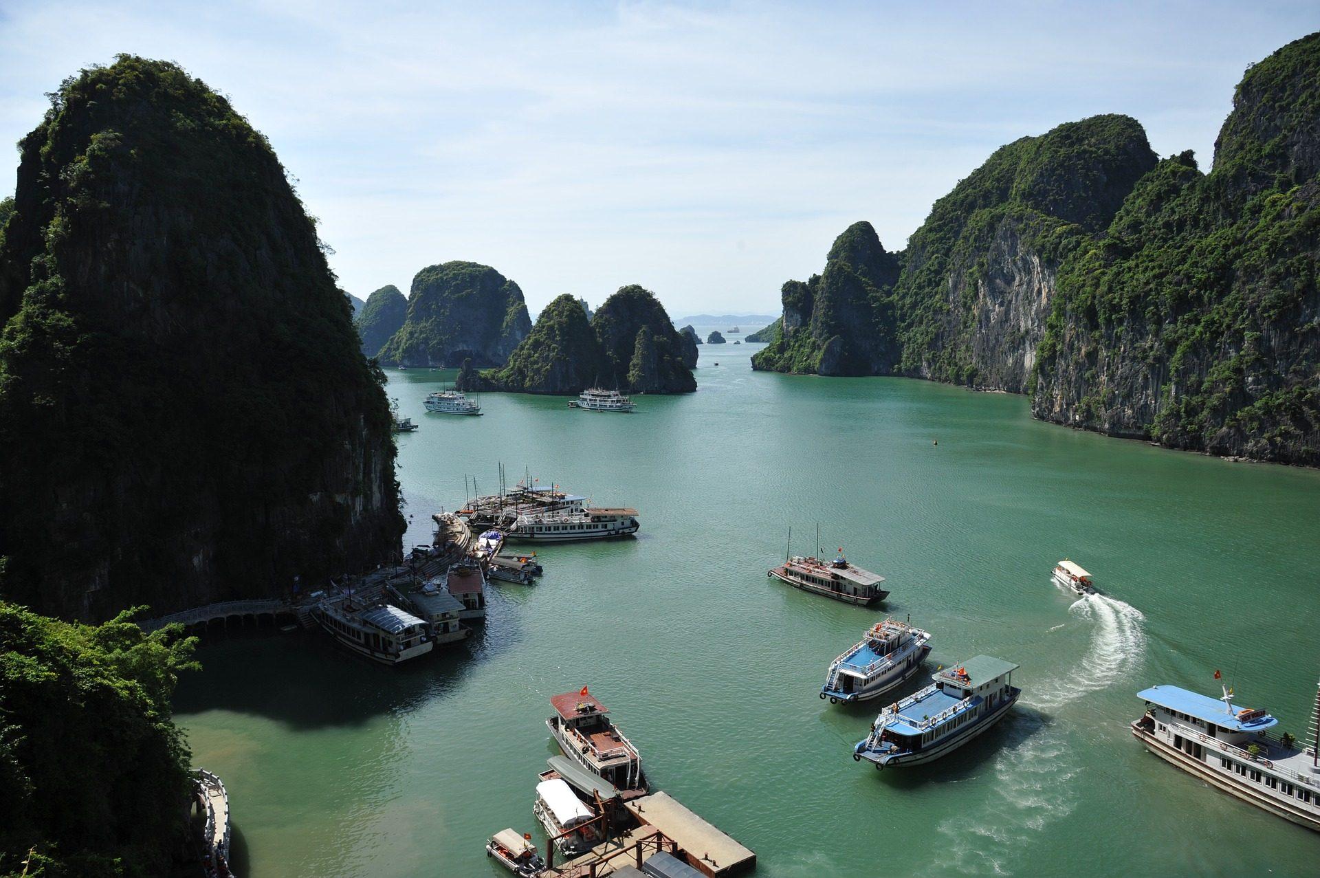 vietnam_ha_long_bay_hotels