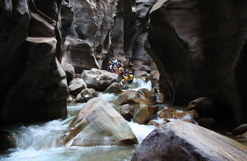 Wandeling door de beroemde Wadi Mujib cover