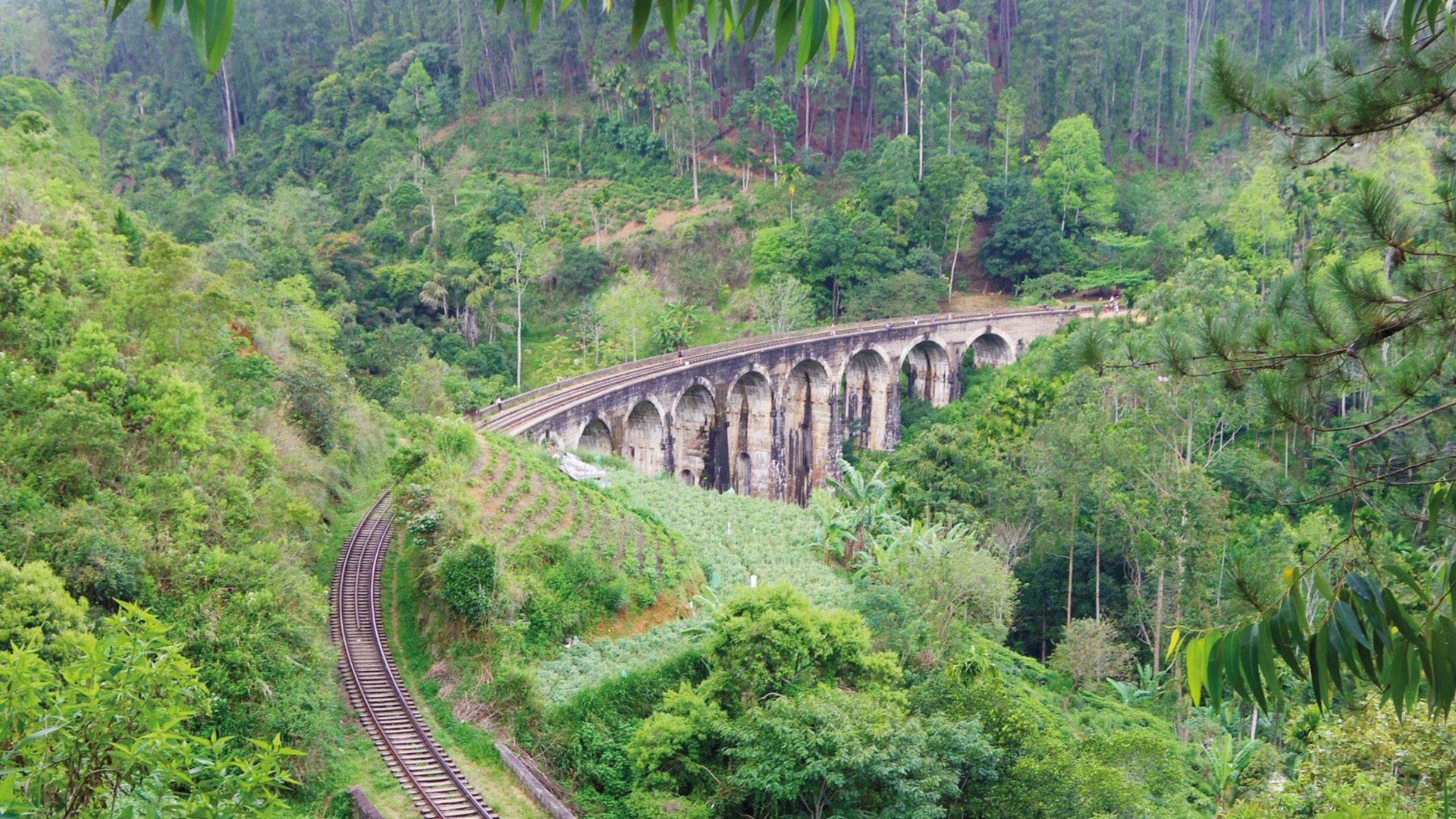 elle nine arch bridge trein sri lanka