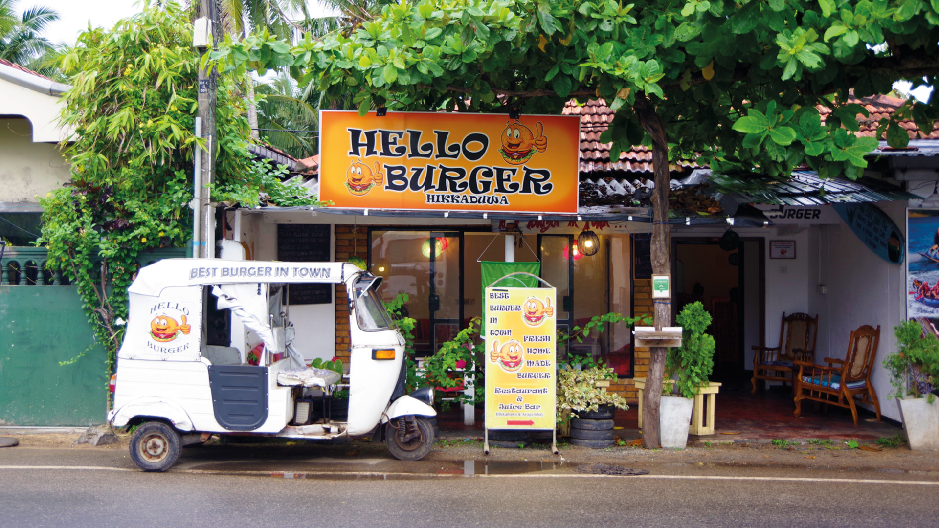 hikkaduwa restaurants cafés sri lanka 1