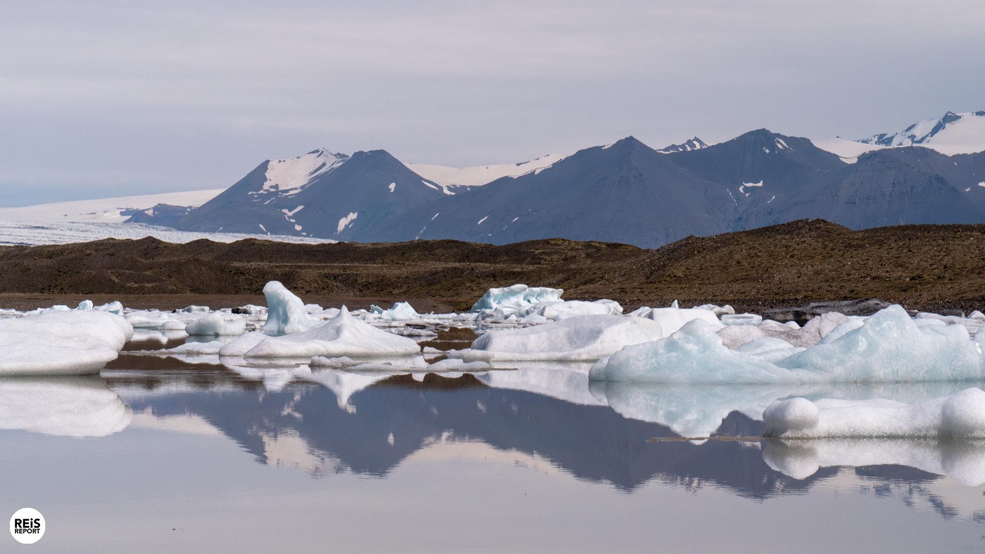Gletsjermeren Fjallsárlón en Jökulsárlón, IJsland